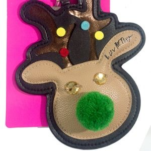 Betsey Johnson Accessories - 🎁Betsey Johnson Reindeer Oversized Luggage Tag 💋